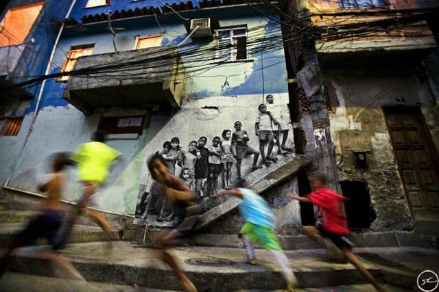 09_28_millimetres_women_are_heroes_morro_da_providencia_rio_de_janeiro_2008